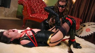 Streaming porn video still #13 from Catwoman On The Prowl