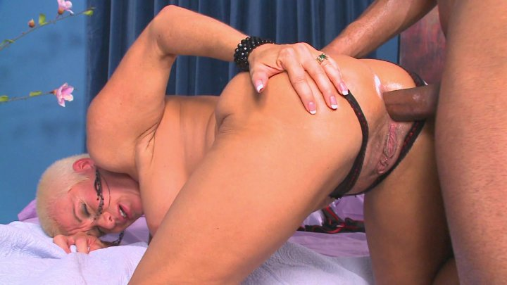 Big black cock milf sucking