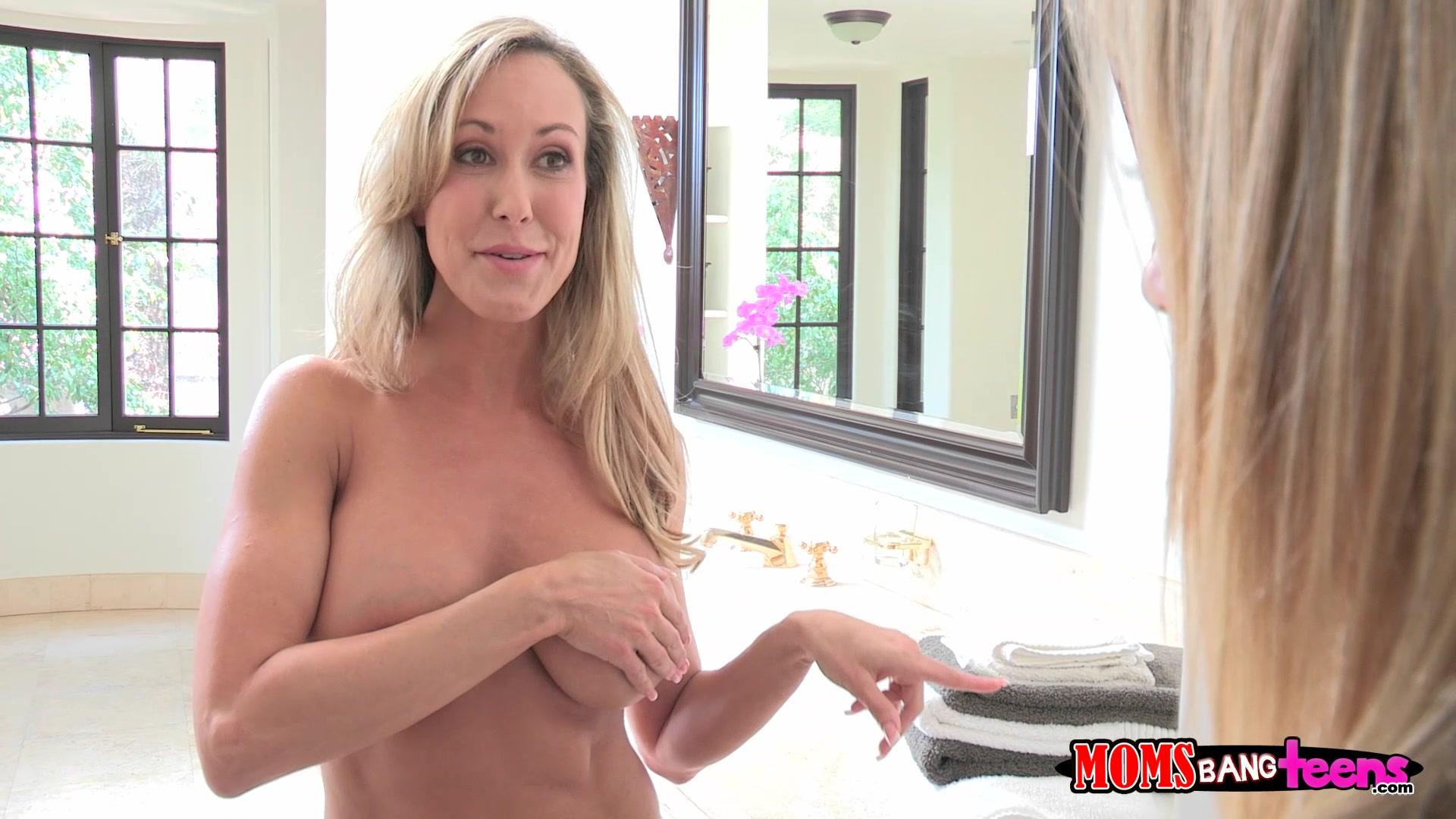 sexy retro naked women
